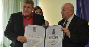 Direktor i vlasnik Aksemonta Kemal Alatić je za svoj uspješan rad dobio nekoliko priznanja