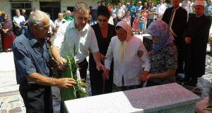 polaganje vijenaca spomenik mustafici